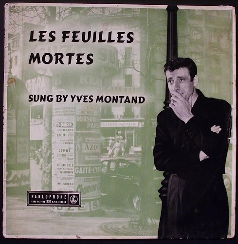 Les Feuilles Mortes sung by Yves Montand
