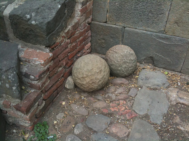 Stone Ball Garden Decoration