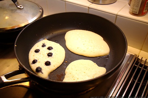 blueberry pancakes c/o chef juls    MG 5331