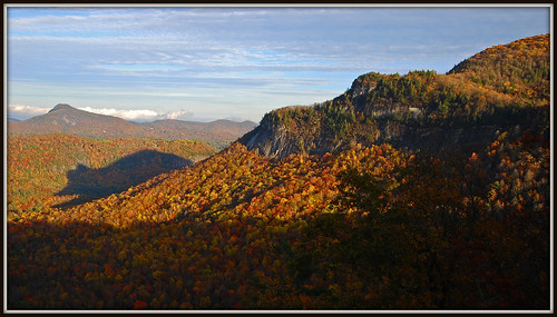 mountains fall nbc nc tv highlands published newspapers northcarolina abc cashiers starsandstripes yahoonews whitesidemountain nikkor1685vr highlandsncoct09 shadowofthebear photocontestfall10