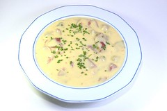 vegetable(0.0), cream of mushroom soup(0.0), produce(0.0), corn chowder(1.0), clam chowder(1.0), food(1.0), leek soup(1.0), dish(1.0), soup(1.0), cuisine(1.0),