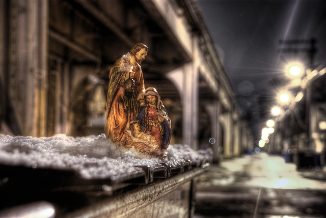 Manger in an alley: 9 (color at night)