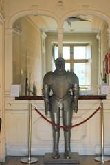 Château de Dourdan: armure du musée