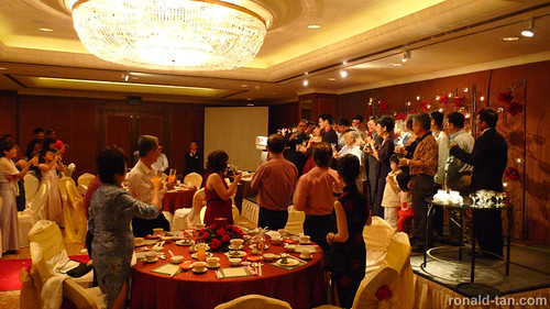 surviving a chinese wedding dinner with a young child On chinese wedding banquet