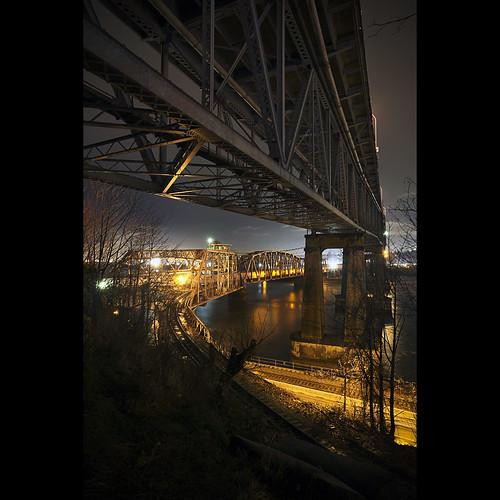longexposure bridge night fraserriver newwestminster pattullobridge canonef1740mmf40lusm fraserriverswingbridge newwestminsterbridge kvdl tgamphotodesknight