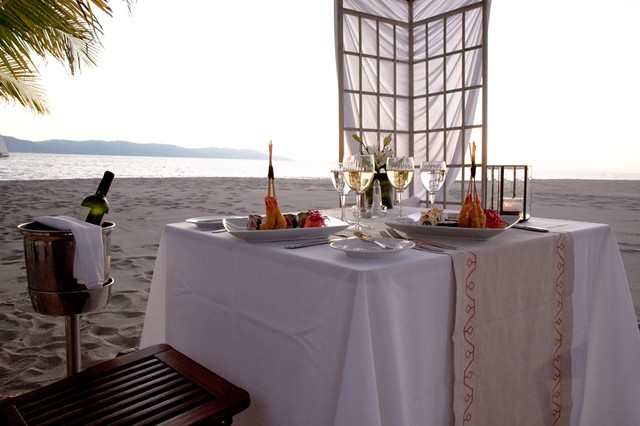 Champagne Service dinner at beach