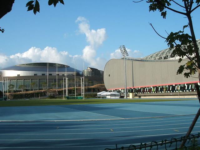 虽然台北体育场并不大但鲸鱼造型很可爱