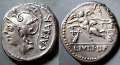 320/1 #09212-39 L.IVLI L.F. CAESAR Venus biga of cupids lyre Denarius