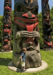totem pole, art, footwear, sculpture, tiki, totem, statue,