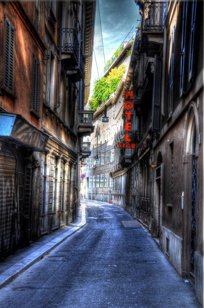 Milano, Via dei Bossi - HDR