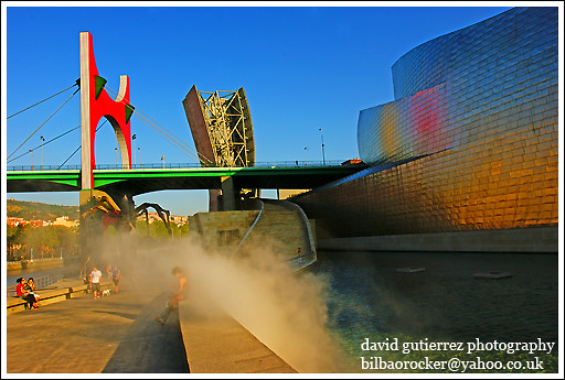 Guggenheim Museum Bilbao - Smoke on the Water