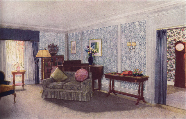 1925 Traditional Living Room