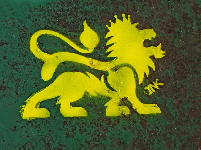 yellow lion logo - photo #23