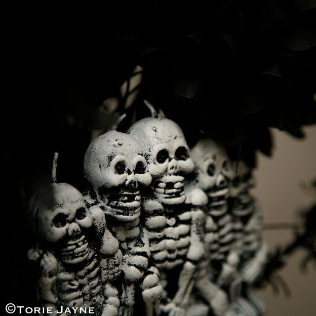 Halloween table - Skeleton candle