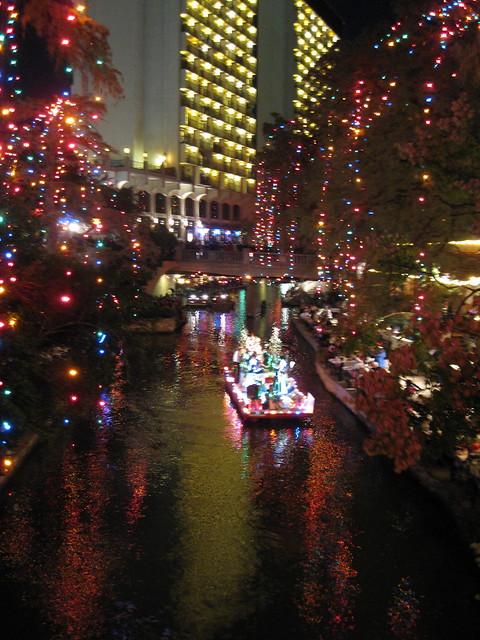 San antonio riverwalk ford holiday river parade amp lighting ceremony