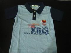 pocket(0.0), clothing(1.0), sleeve(1.0), polo shirt(1.0), shirt(1.0), t-shirt(1.0),