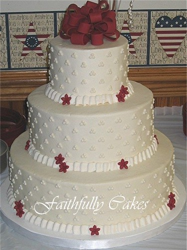 Round Buttercream Wedding Cake Loop Fondant Bow