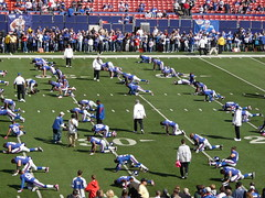 New York Giants stretching before the game
