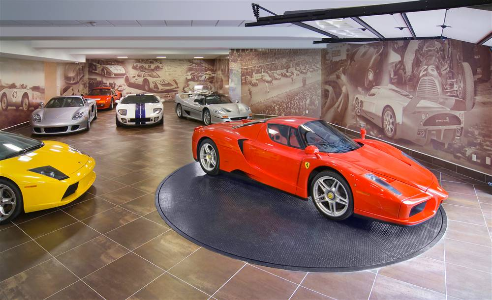 World 39 s most beautiful garages exotics insane garage for Garage automobile qui fait credit