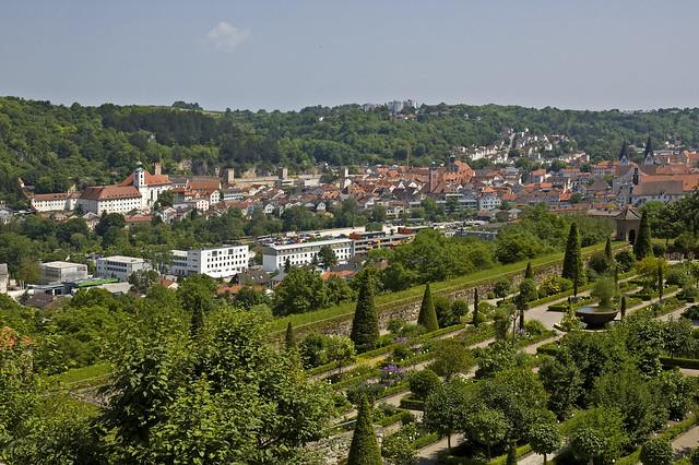 Blick über den Garten von Eichstätt und die  Stadt