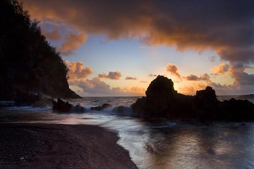 seascape beach sunrise landscape photography redsand maui hana kaihalulu