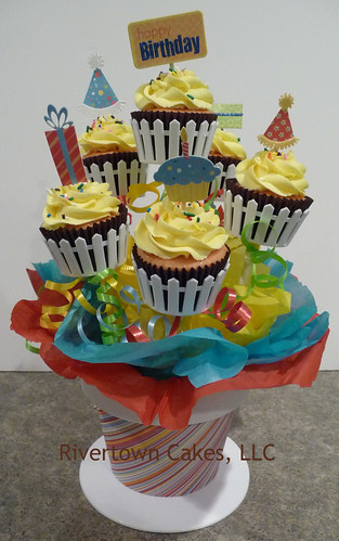 Birthday Cupcake Bouquet by Rivertown Cakes