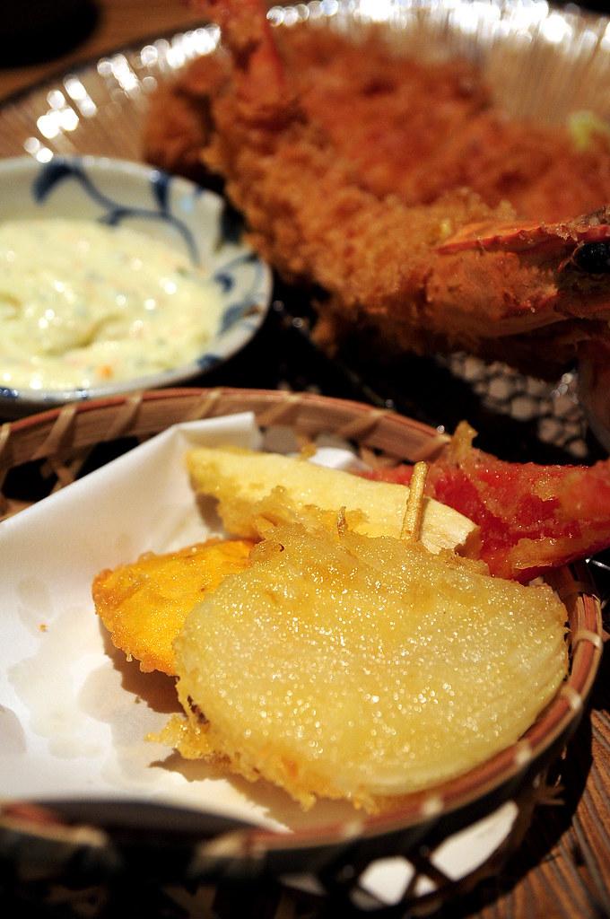 杏子豬排-海鮮總匯裡的炸洋蔥