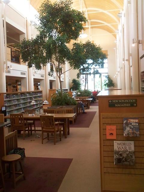 Everett Public Library In Everett Wa The Reading Area Angled Flickr Photo Sharing