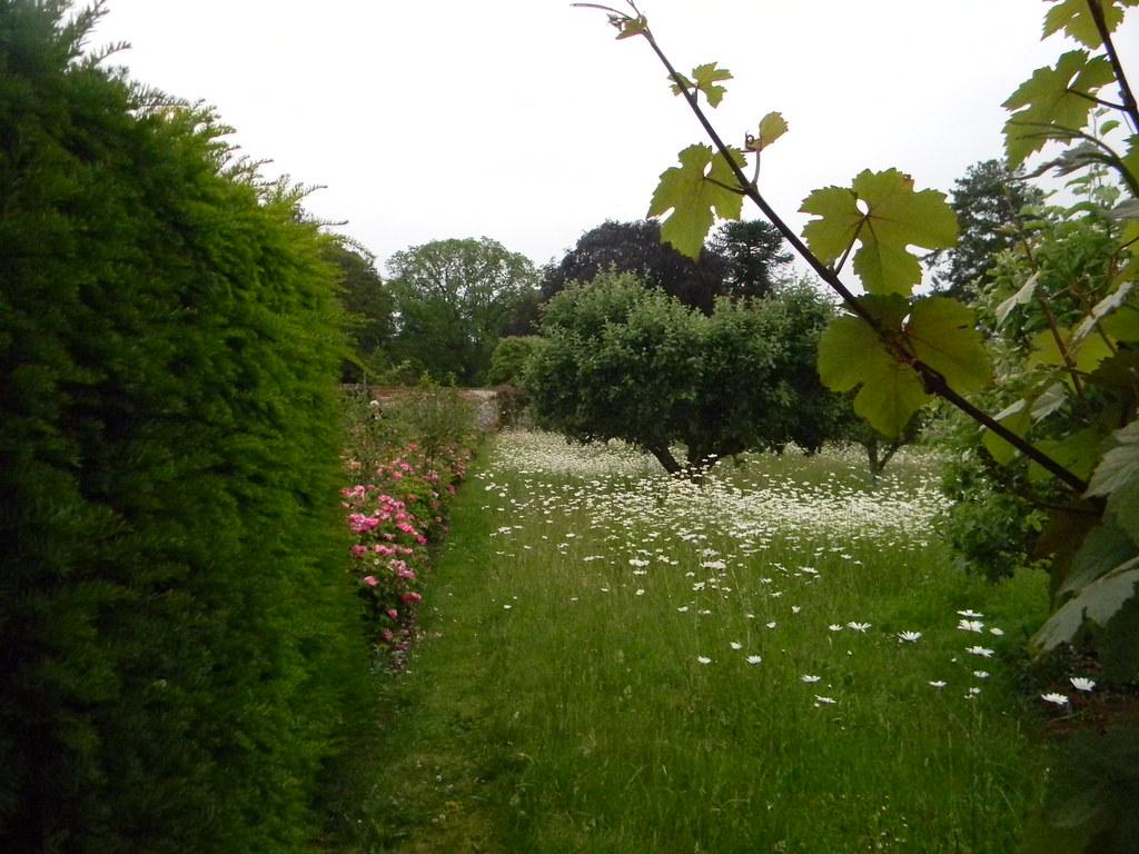 Gardens, Grey's Court Grey's Court, Shiplake to Henley
