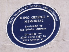 Photo of Edwin Lutyens and George VI blue plaque