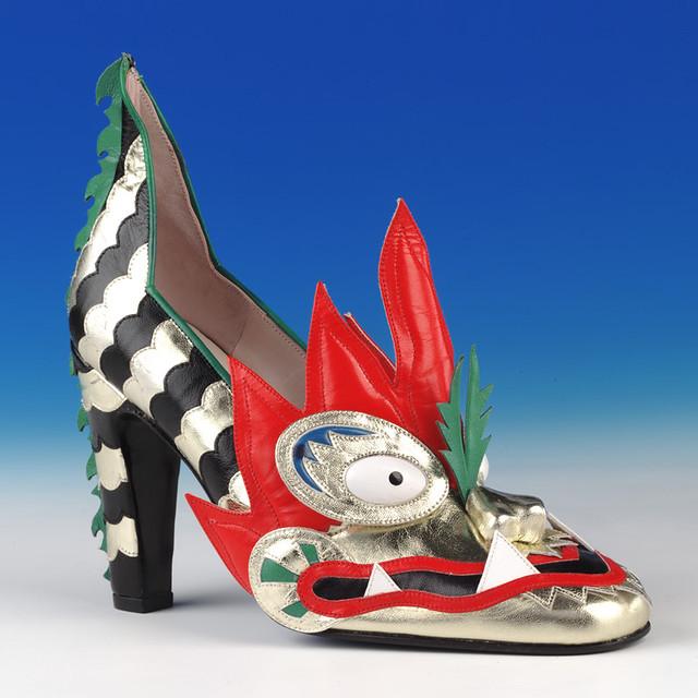 980b65d2584 ... Shoe  Dragon shoe made by Thea Cadabra (1979   1996)