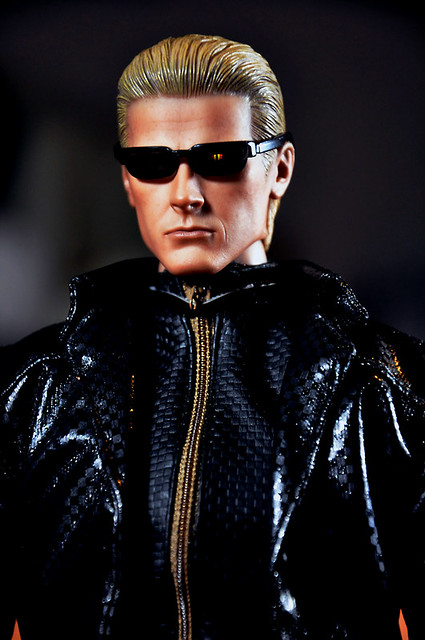 Hot Toys Albert Wesker 8