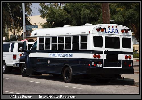 081609-WilshireDiv-LAPD-Bus-009