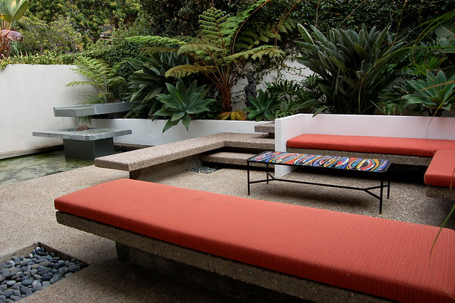 Mid-Century Modern Outdoor Spaces - a gallery on Flickr
