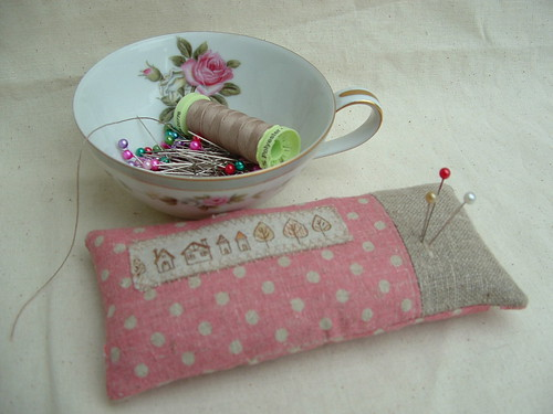 polka dots pin cushion
