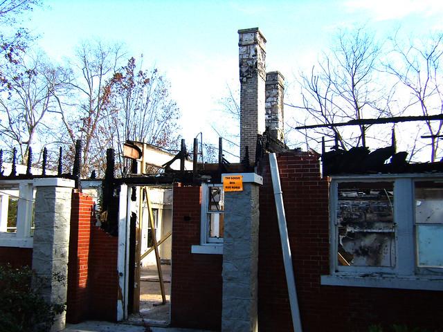 PB281991-2009-11-28-Goose-Burned-Paideia-School-West-2-Chimneys