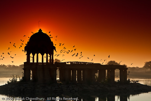 sun india lake topf25 birds silhouette backlight sunrise island temple dawn twilight bravo dome f25 rajasthan jodhpur bronly ©jhinukchowdhury