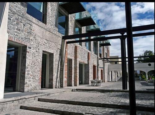 G10 La Purificadora courtyard