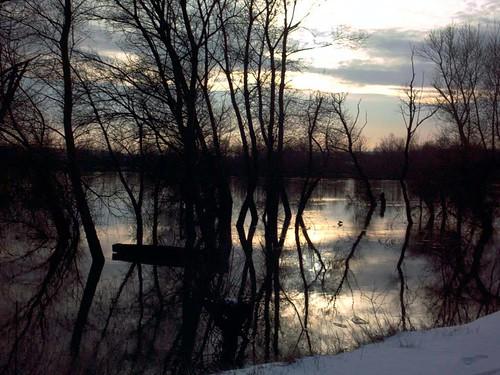 Ανατολική Μακεδονία & Θράκη - Έβρος - Οι ποταμοί Αρδας και Έβρου Ποταμός Έβρος όταν δύει ο ήλιος. Λήψη από την Τουρκία στο ύψος της Ορεστιάδας περίπου.