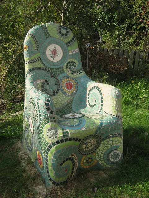 www.waschbear.com/mosaic-chair-tutorial.php