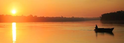peru southamerica sunrise river dawn boat amazon rainforest amazonia madrededios peruvianamazon