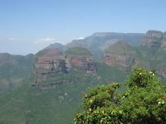 mountain, valley, mountain range, hill, ridge, plateau, terrain, wadi, escarpment, cliff, mountainous landforms,