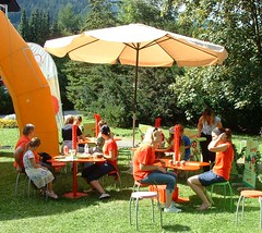 play(0.0), picnic(0.0), tent(0.0), playground(0.0), camping(0.0), backyard(1.0), leisure(1.0),