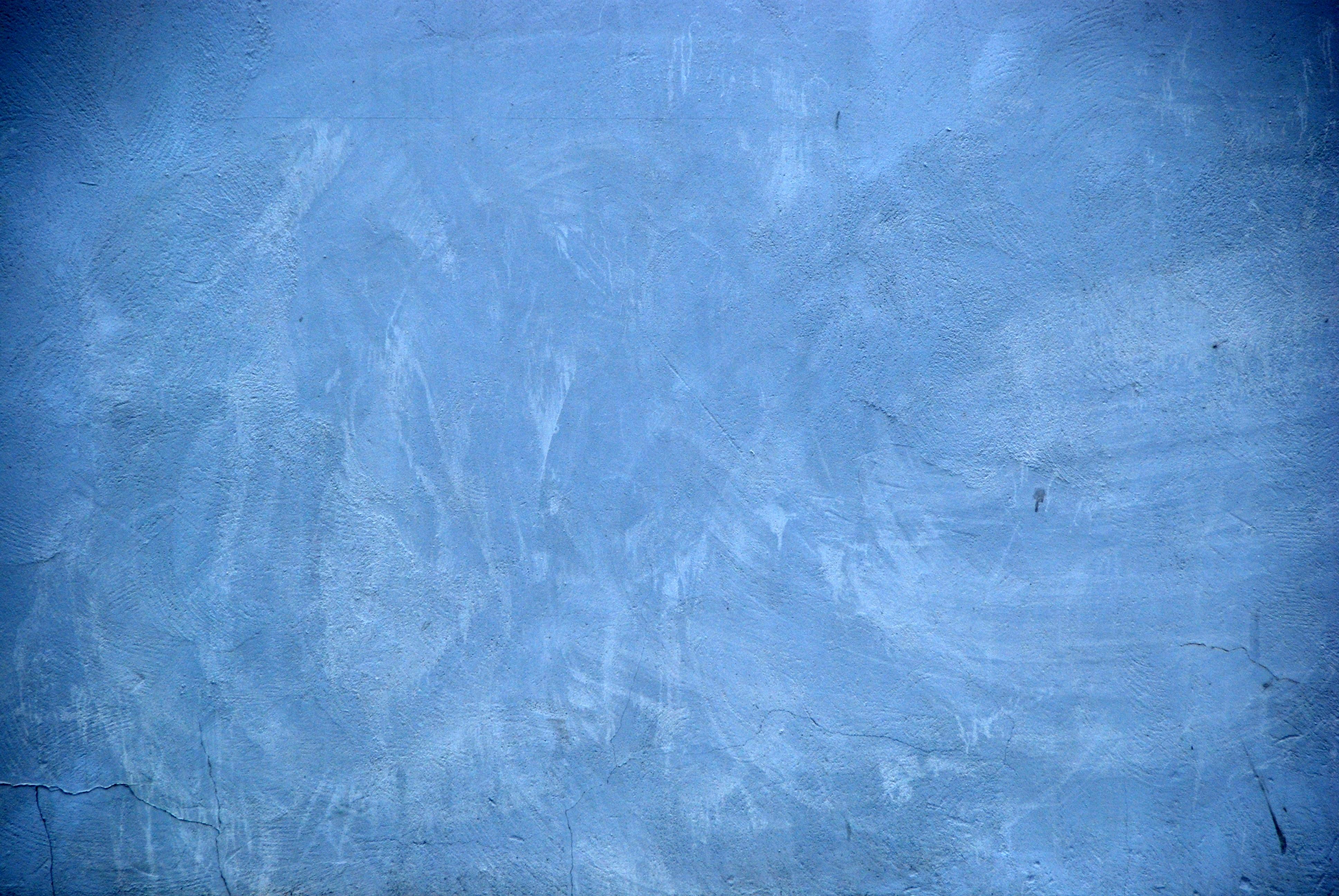 Pared azul canarias creativa for Color azul grisaceo para paredes