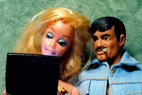 Tara And Her New Friend, John, Bond With Each Other While Viewing Their Mug Shots On The Internet