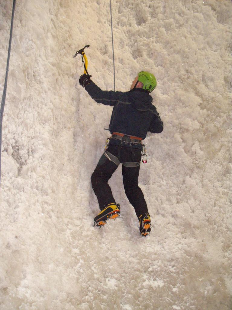 kinlochleven ice climbing centre