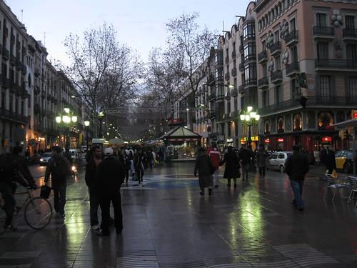 Calles cerca de las ramblas en barcelona for Hoteles familiares en barcelona ciudad