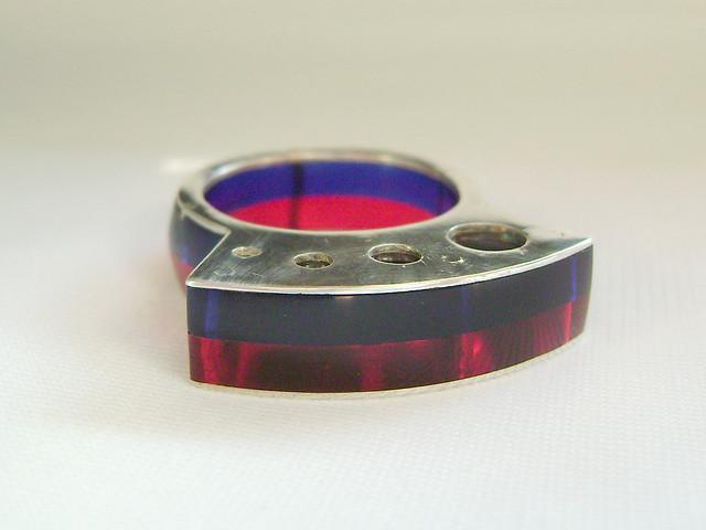 anillo rojo-azulNo disponible.
