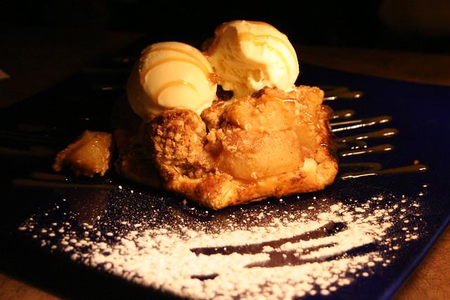 Apple Crumble & Vanilla ice cream   Flickr - Photo Sharing!