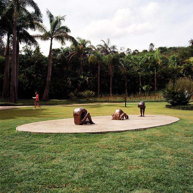 Esculturas em bronze de Edgard de Souza em Inhotim, Brumadinho, MG